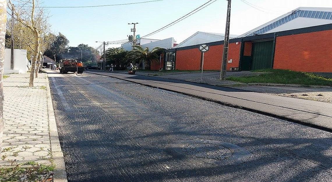 Avenida D. Manuel de Almeida Trindade repavimentada